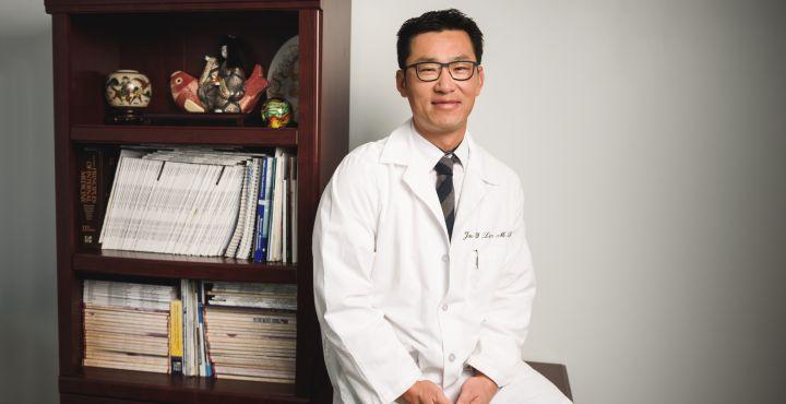 Dr-Jea-Lim-at-desk